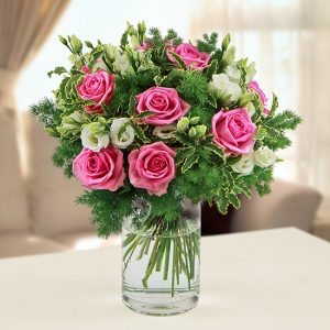 Bouquet di rose e fiori di stagione