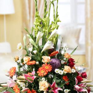 Composizione in spugna con fiori di stagione